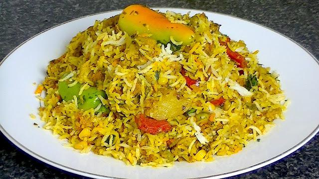 वेजिटेबल बिरयानी बनाने की विधि | Vegetable Biryani Recipe in hindi